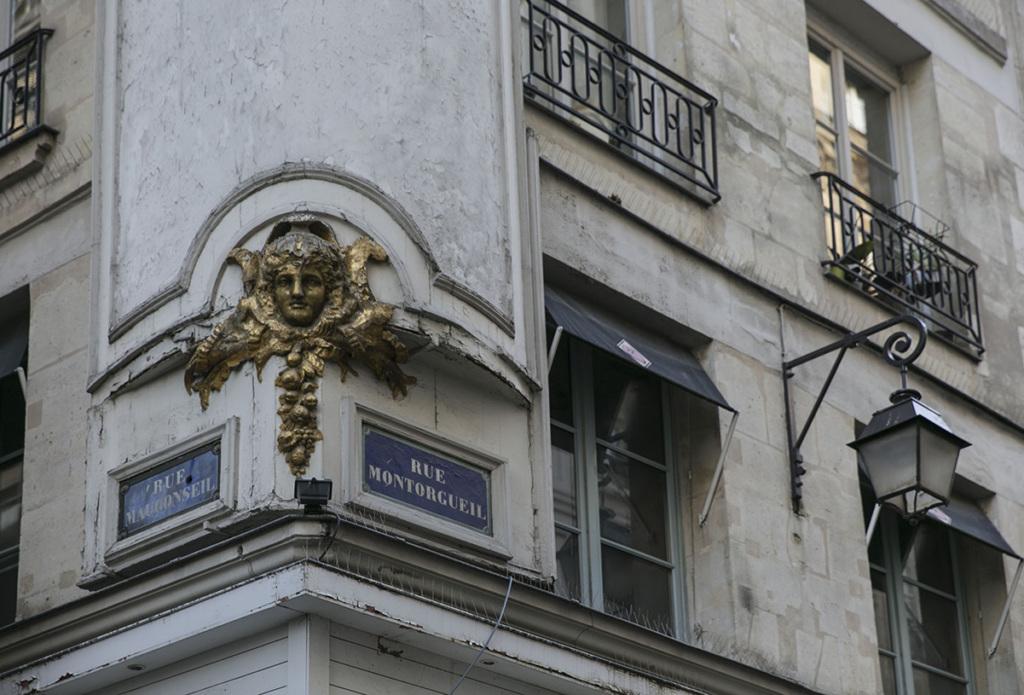 Paris life Mag Montorgueil