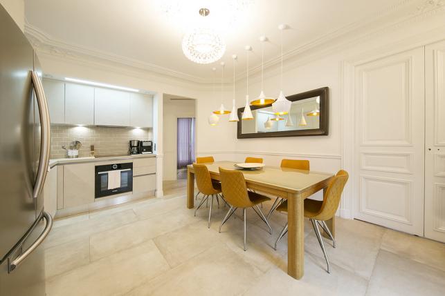 appartement meublé style haussmannien moderne design à louer Paris