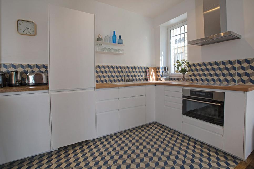 déco cuisine crédence appartement paris location meublée