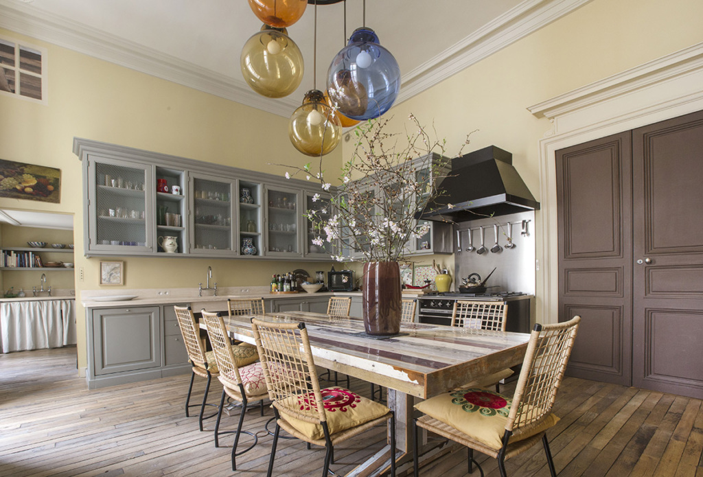 Paris life Mag Ten inviting Parisian kitchens
