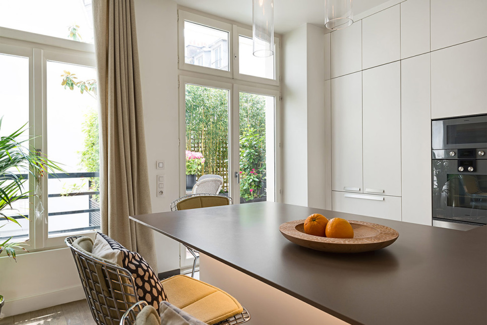 Paris 3 bedroom-apartment furnished and fully equipped kitchen