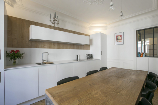 Furnished rental in Paris fully equipped open kitchen