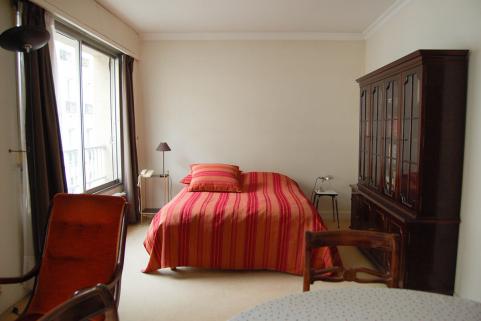 avant après appartement Paris séjour pièce principales salle à manger chambre