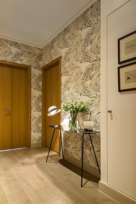 Entry way of the apartment - Avenue de la Motte Picquet, Paris