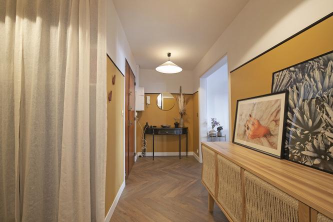 métamorphose couloir entrée appartement parisien après travaux louer