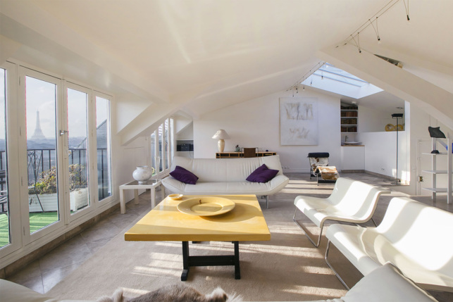 Rent a Paris apartment with views of Paris