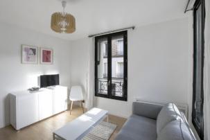 "White"" apartment: minimalist style"