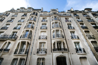 Guimard style façades with iron window sills and balconies