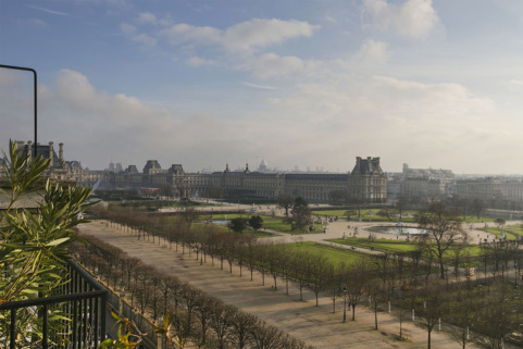 Furnished rental in Paris with view of the Louvre