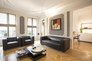 Louer à Paris appartement style haussmannien