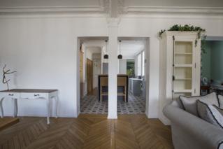 Pièce à vivre Paris louer appartement haussmannien