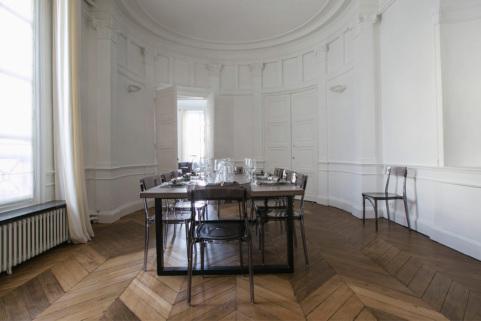 salle à manger réception vivre et louer à Paris