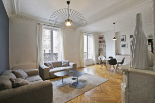Furnished two-bedroom Haussmannian apartment