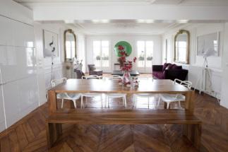 Salon cuisine appartement meublé à louer style haussmannien