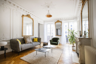Natural light in a Paris apartment for rent