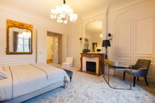 Grand appartement meublé à louer Paris - Chambre avec bureau