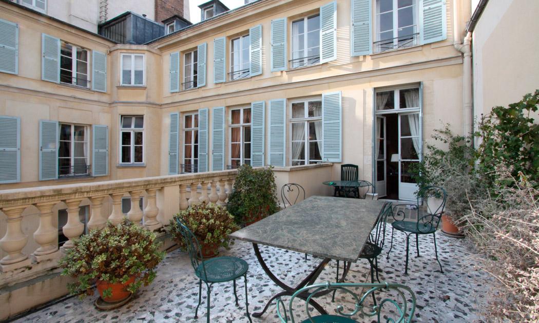 Appartement avec terrasse paris vivre paris book a for Appartement terrasse paris 14