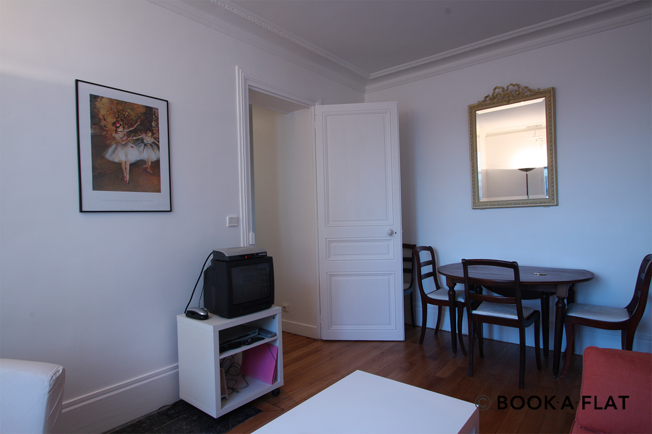 Apartment Paris Rue Rodier 2