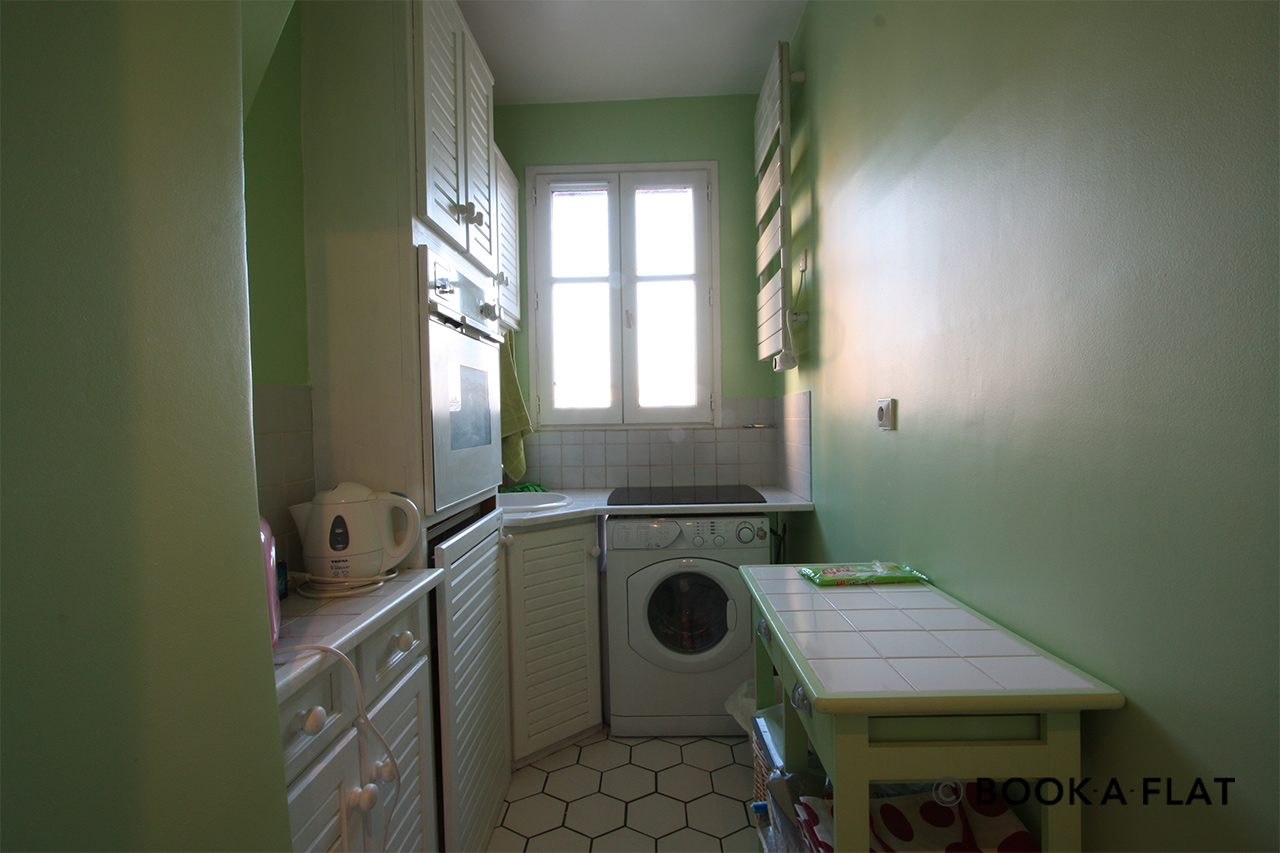 Apartment Paris Rue Rodier 8