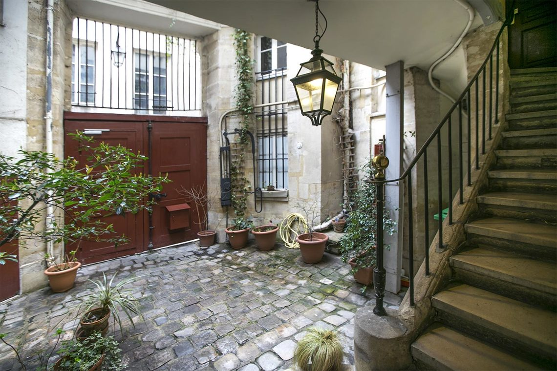 Appartement Paris Rue Saint Bon 15