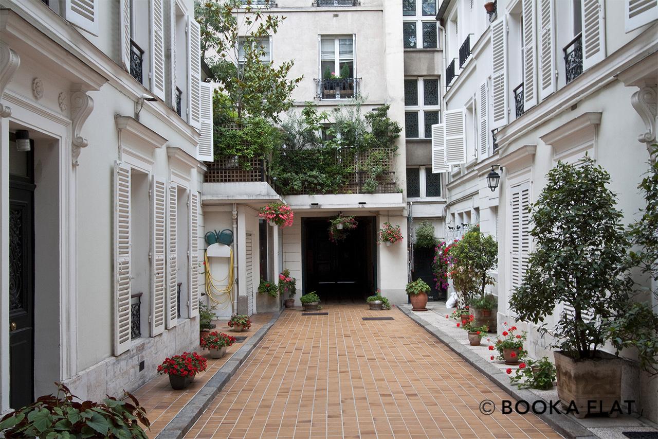 Location appartement meubl rue du colis e paris ref 0468 for Appartement paris location