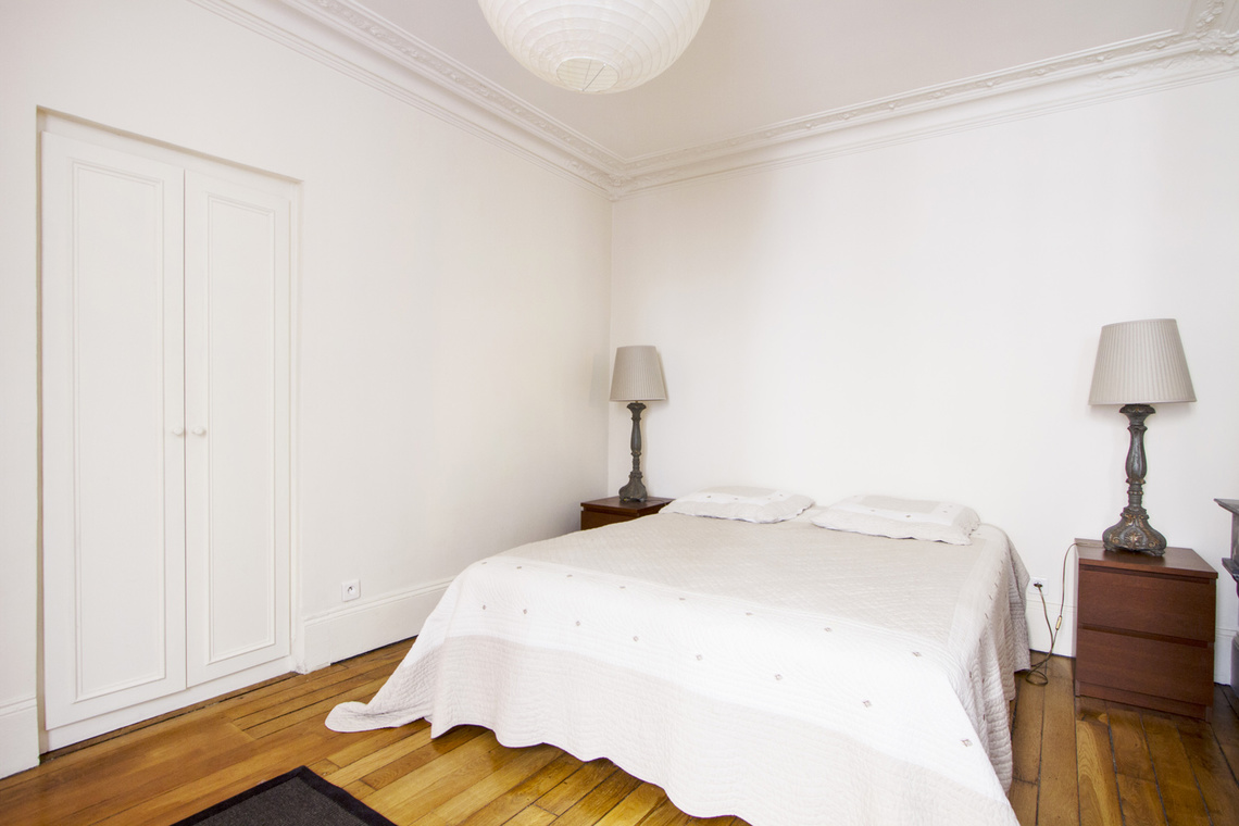 Apartment Paris Rue de Ponthieu 7
