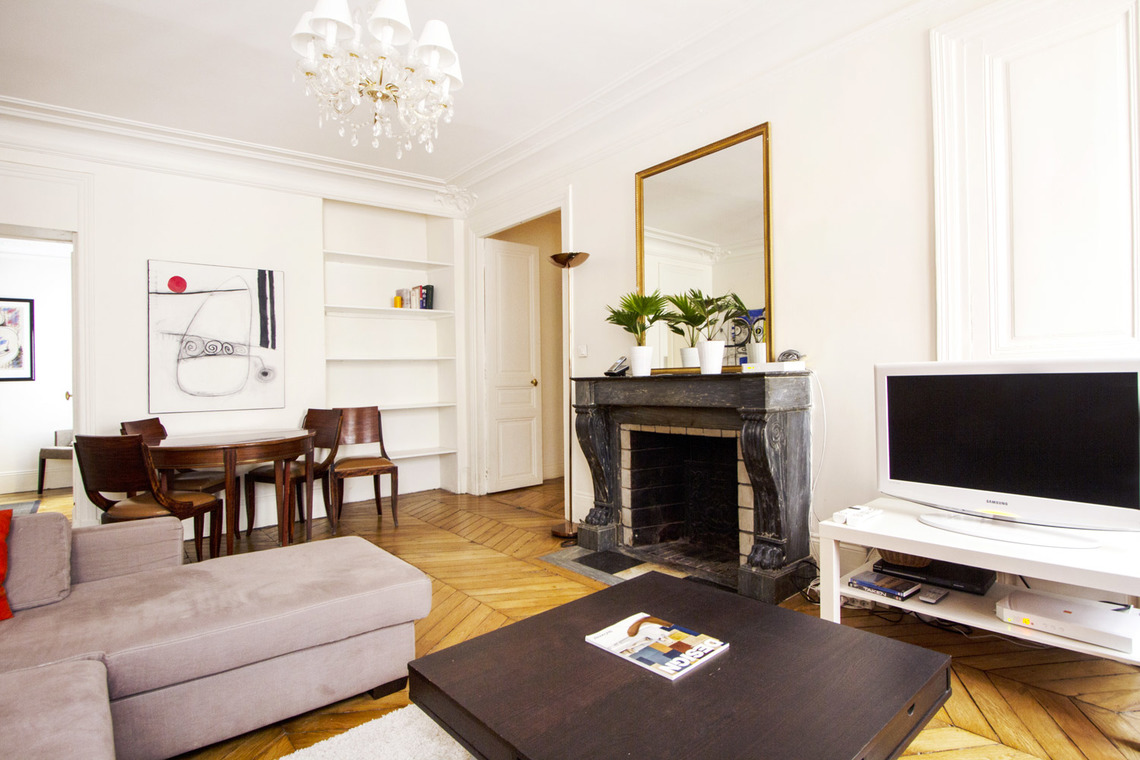 Paris Rue de Ponthieu Apartment for rent