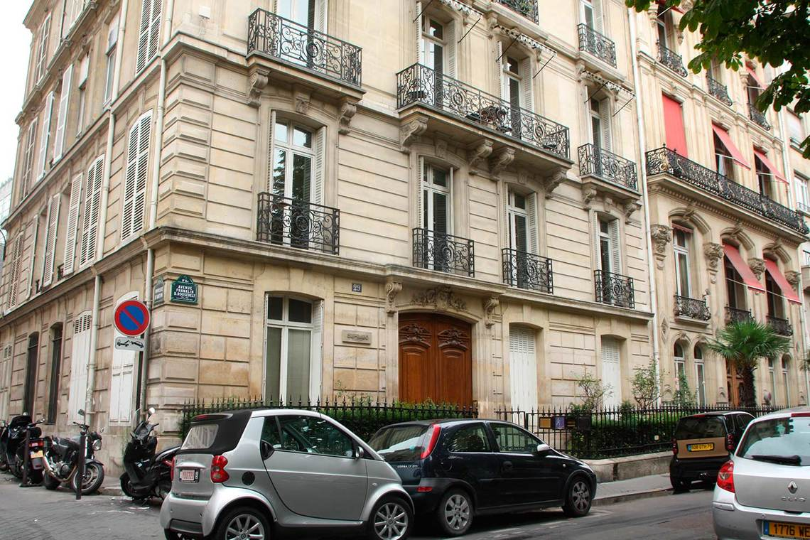 Apartment Paris Rue Franklin Roosevelt 8