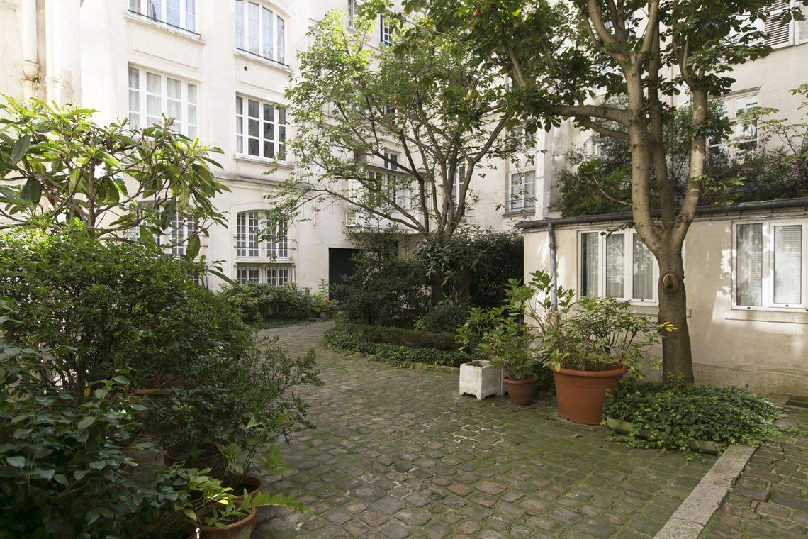 location appartement meubl rue saint louis en l 39 ile. Black Bedroom Furniture Sets. Home Design Ideas