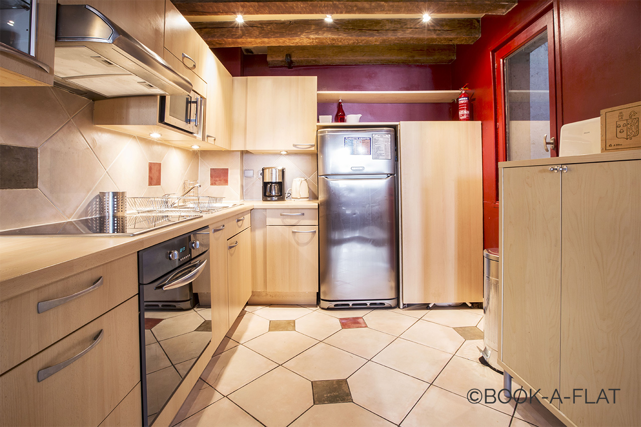Spacious kitchen and well equipped