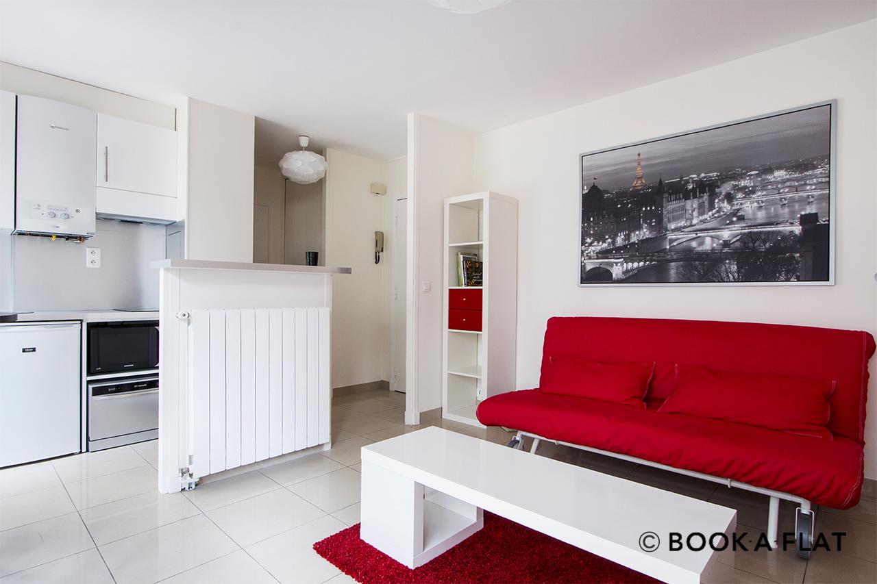 Location appartement meubl rue de montreuil paris ref for Louer studio meuble paris
