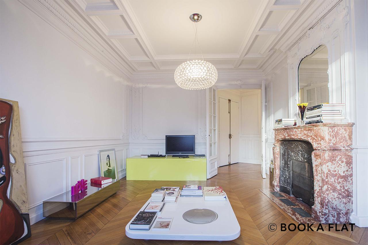 apartment for rent rue de miromesnil paris ref 10177. Black Bedroom Furniture Sets. Home Design Ideas