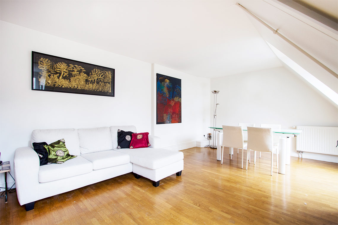 Paris Rue Faraday Apartment for rent