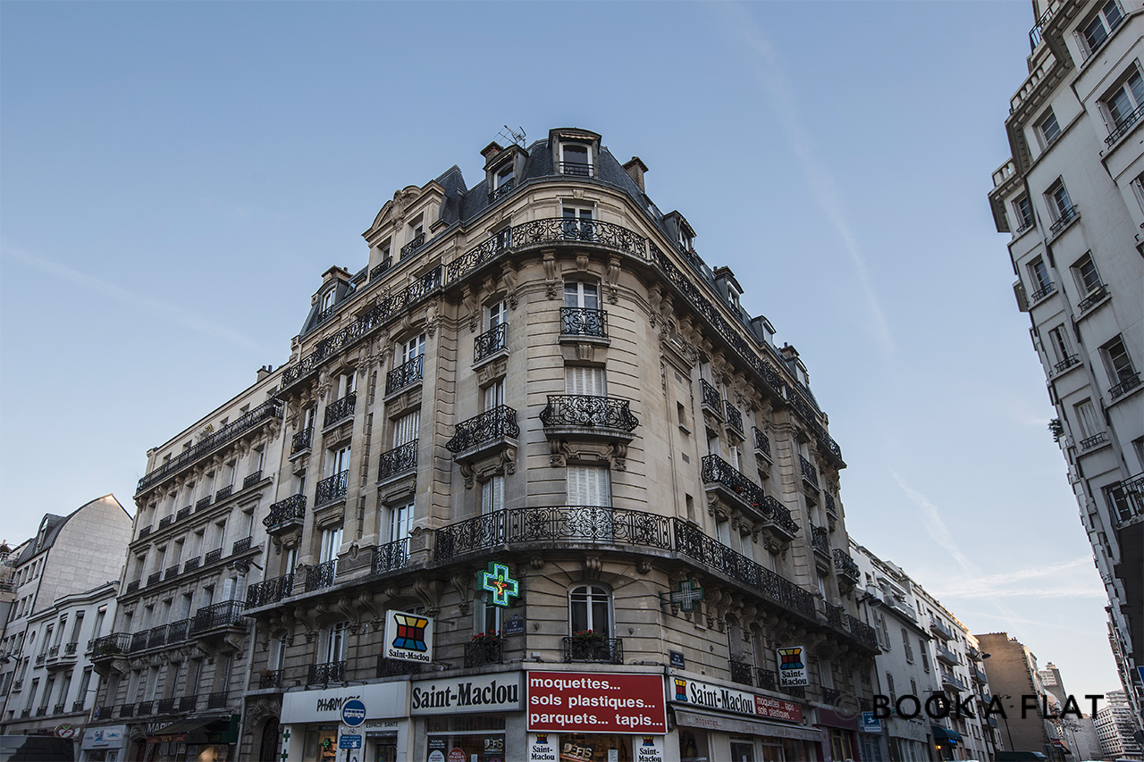 apartment for rent rue de vaugirard paris ref 10395. Black Bedroom Furniture Sets. Home Design Ideas
