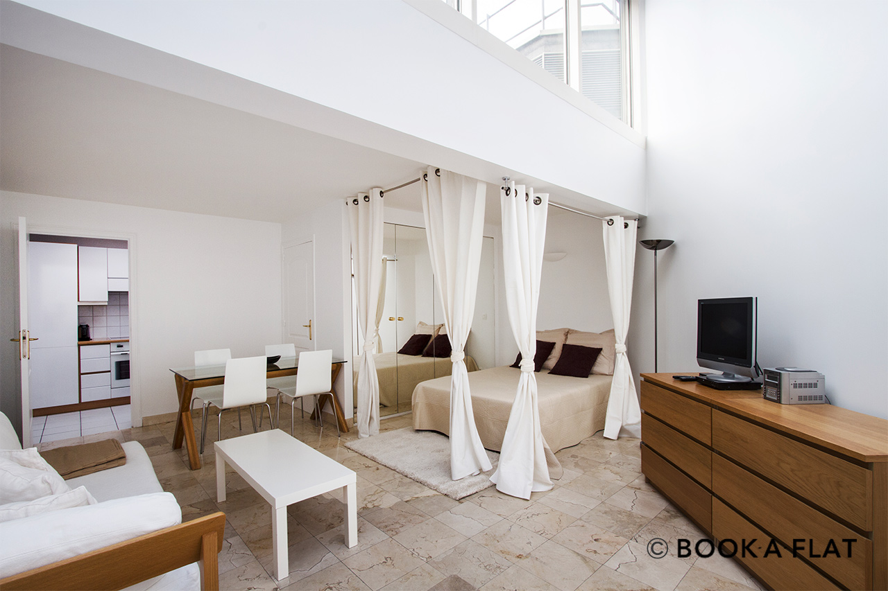 Furnished apartment for rent Paris Rue Jean Bologne