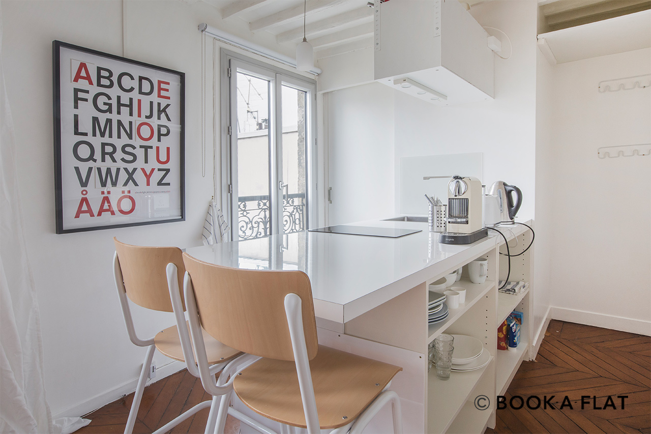 Appartement Paris Rue Rougemont 6