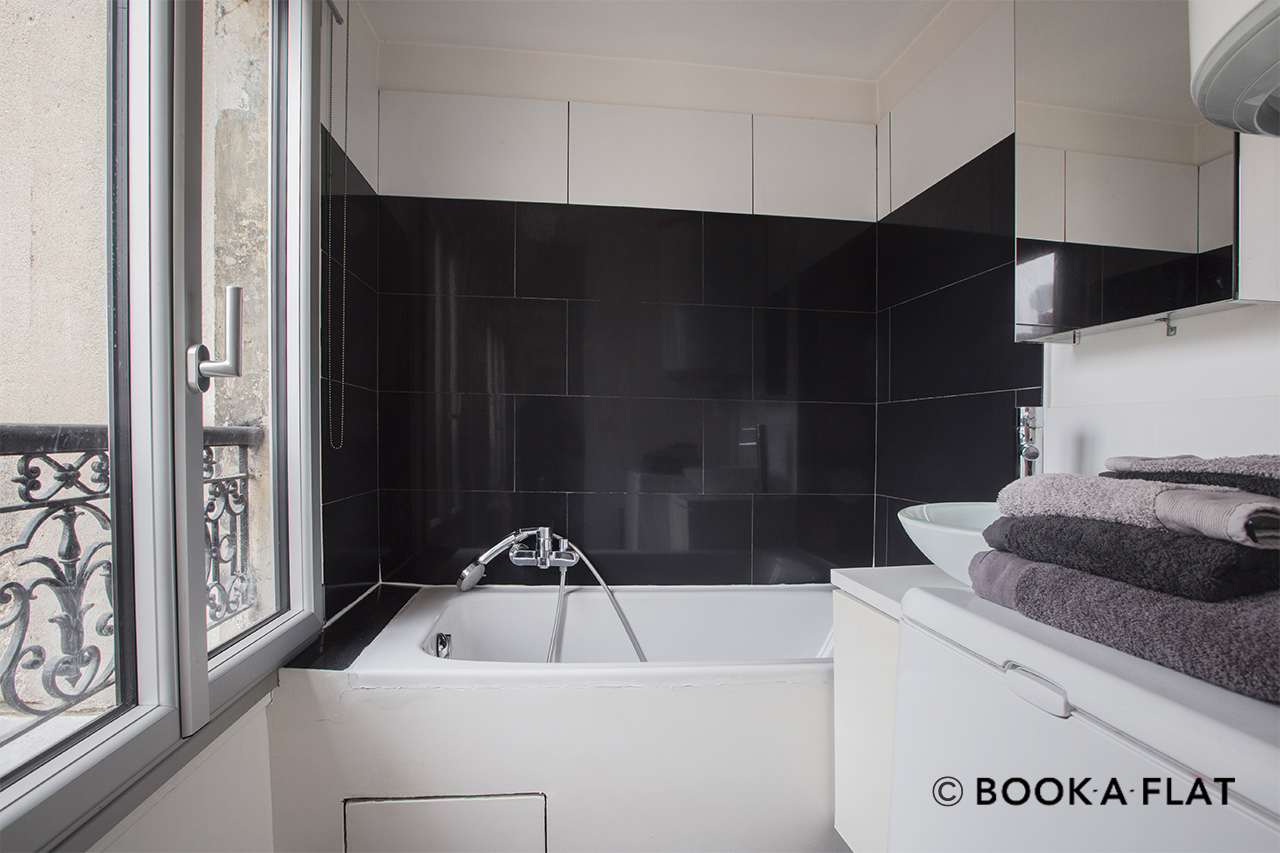 Appartement Paris Rue Rougemont 8