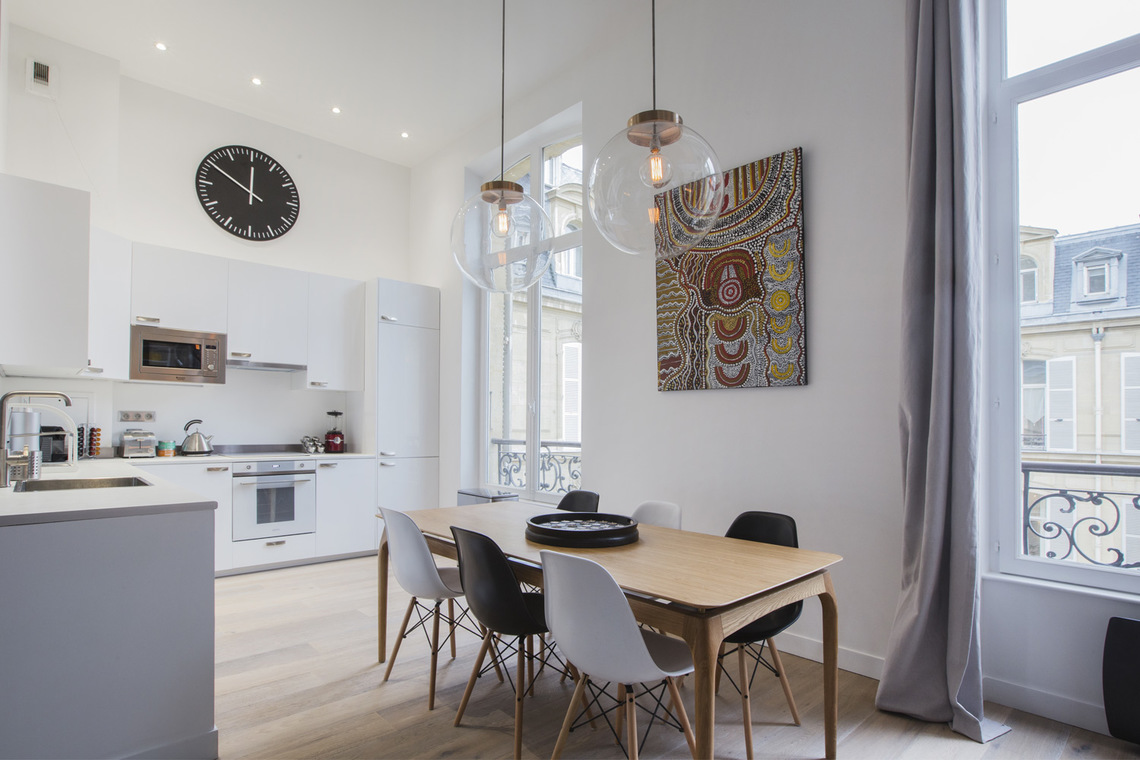 Apartment Paris Rue de Marignan 8