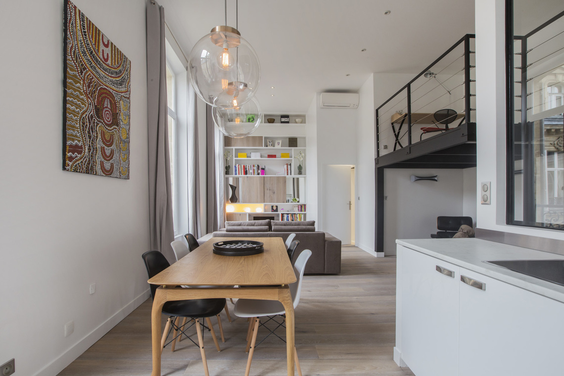 Apartment Paris Rue de Marignan 4