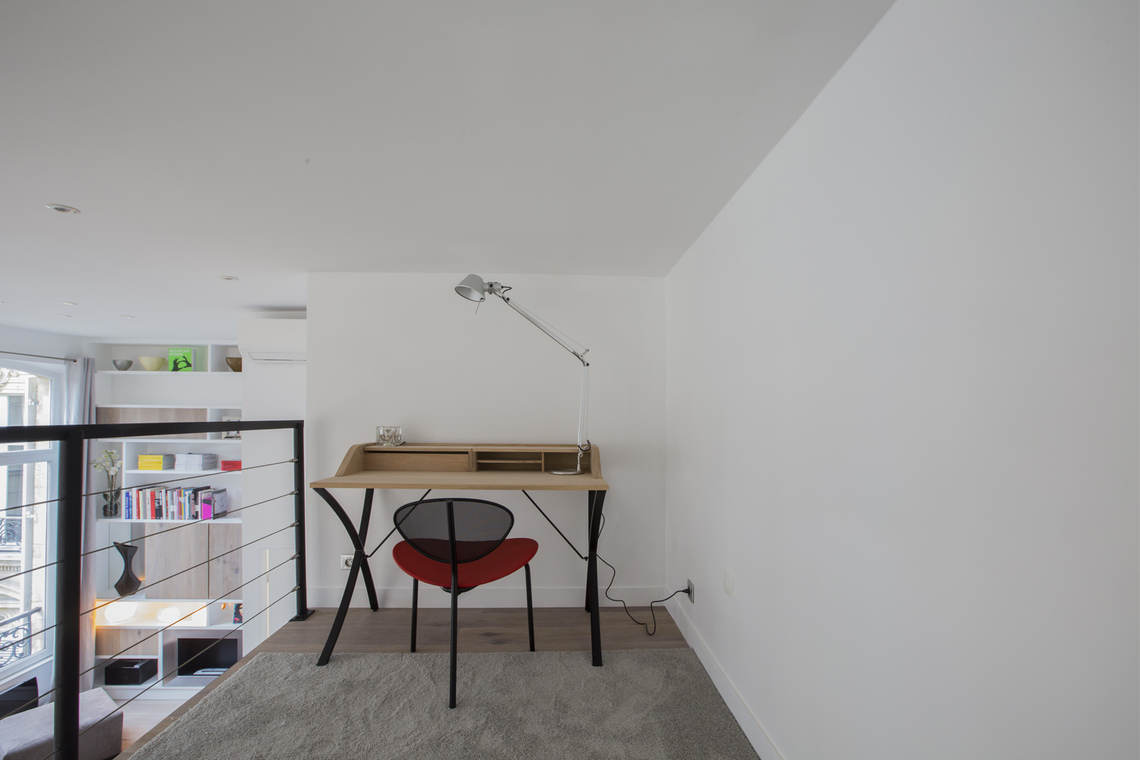 Apartment Paris Rue de Marignan 10