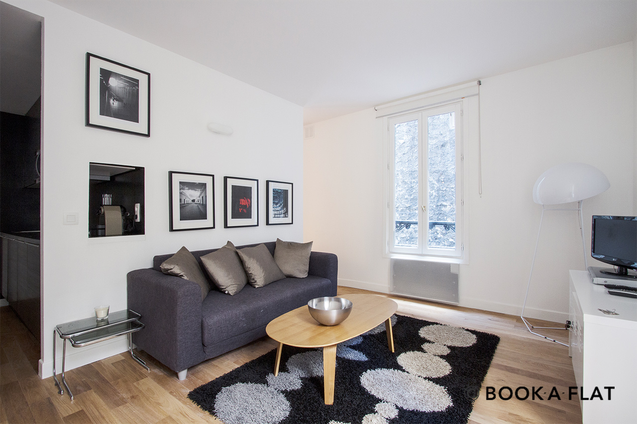 Furnished apartment for rent Paris Passage Cottin