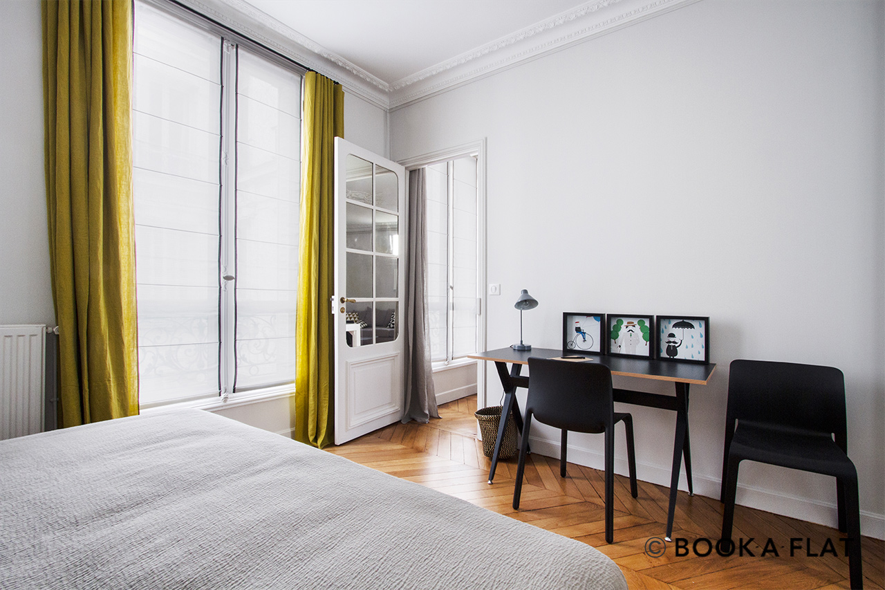 Apartment Paris Rue des Renaudes 8