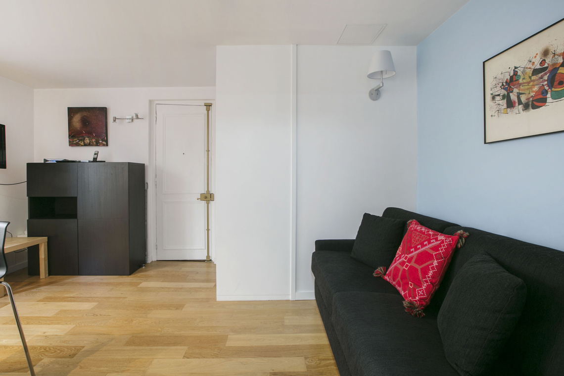 Paris Rue de Duras Apartment for rent
