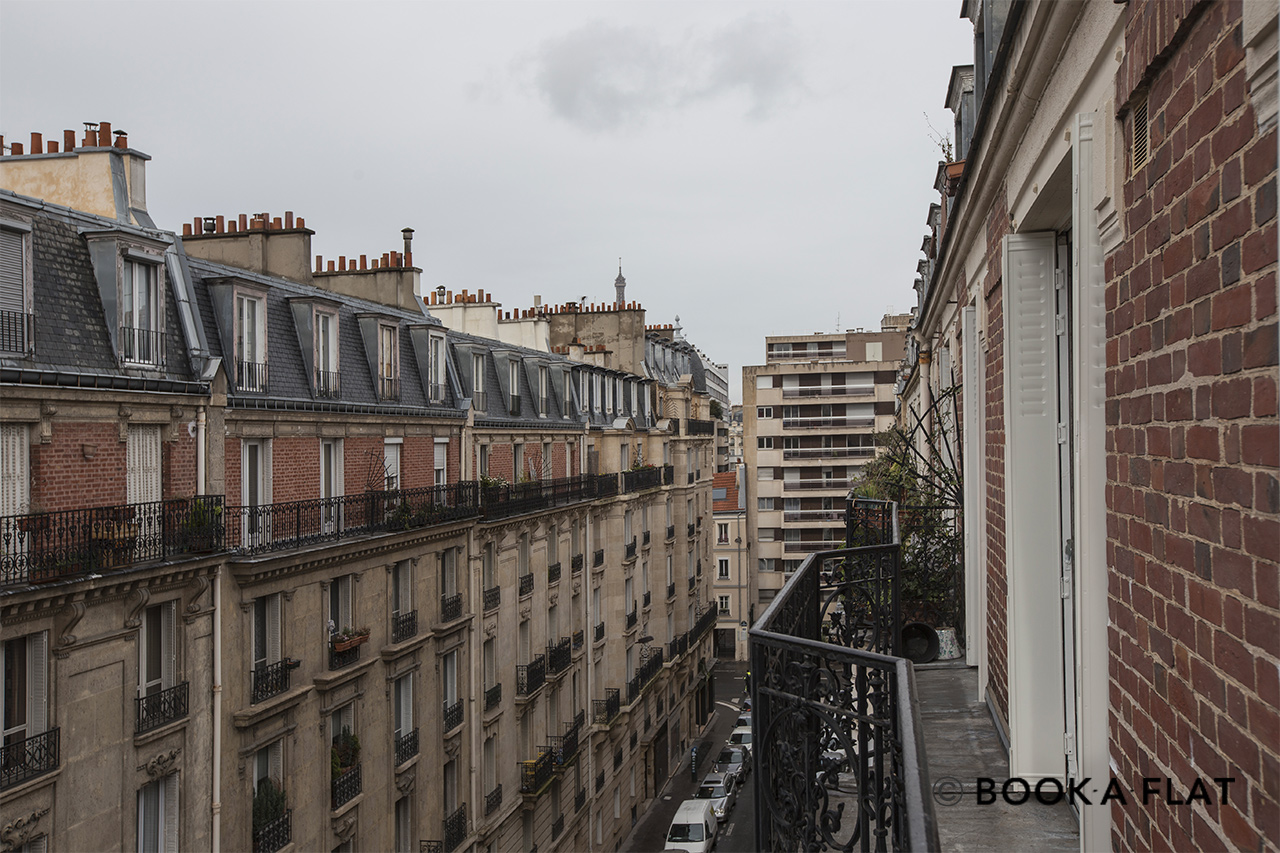 Appartement Paris Rue Ernest Renan 10