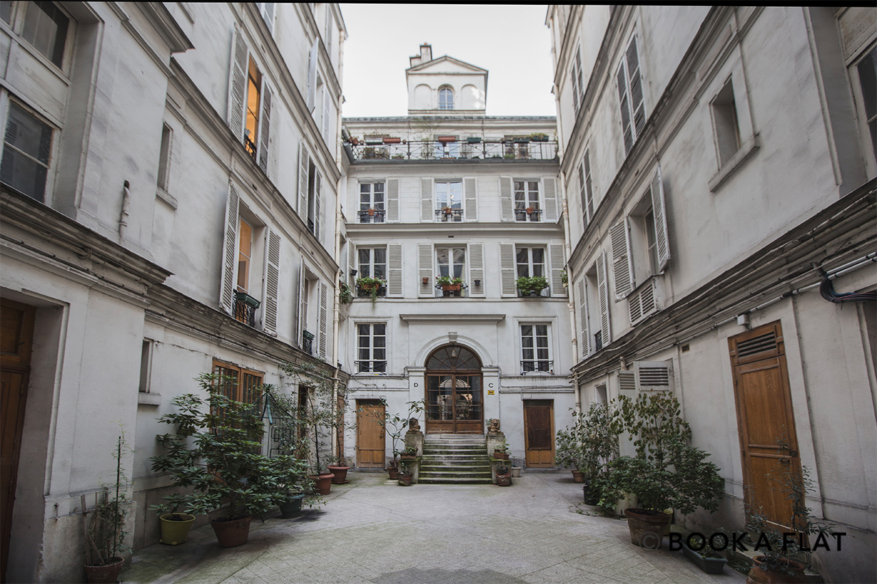 Apartment Paris Rue Saint Lazare 10