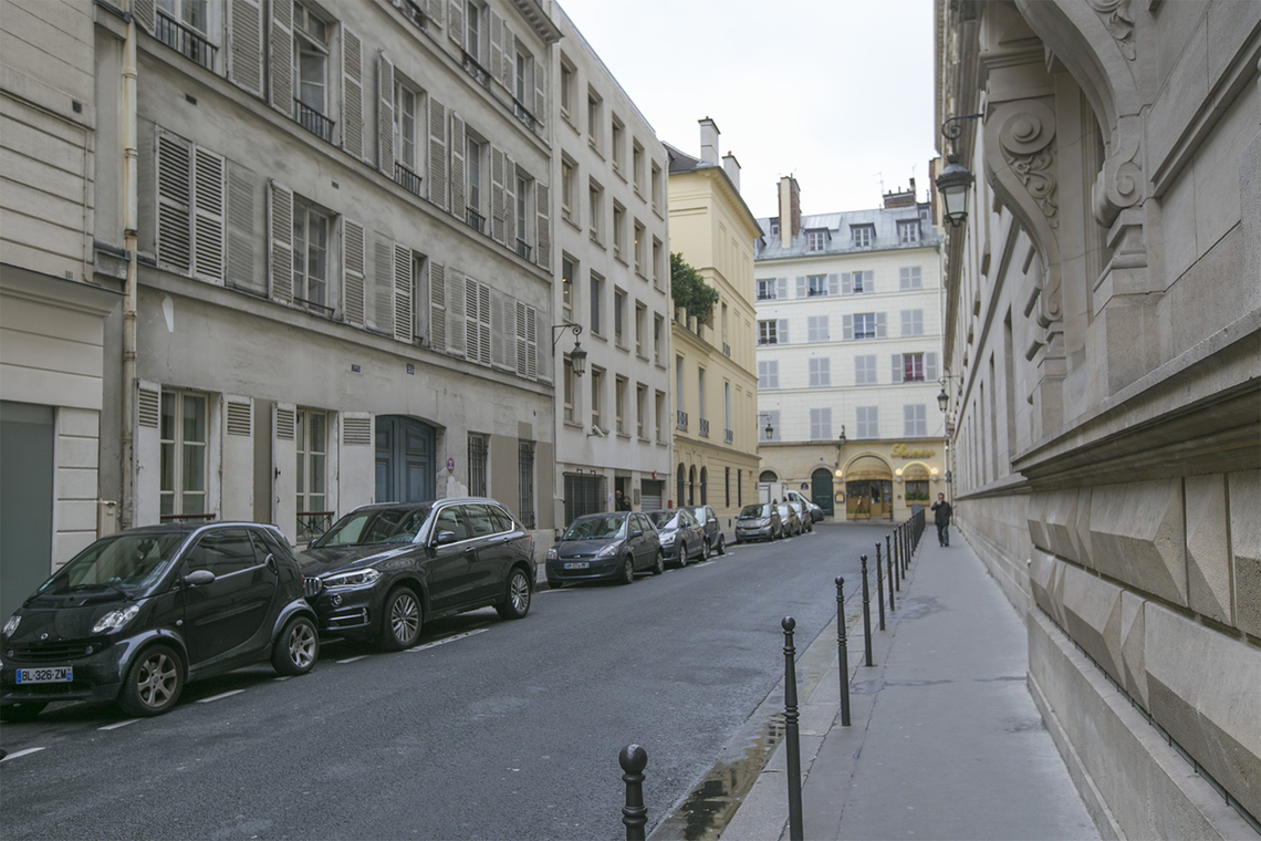 Apartment Paris Rue du Mont Thabor 11