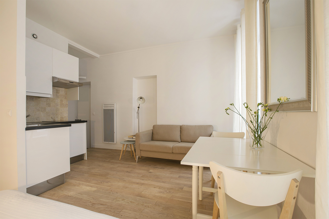 Apartment Paris Rue du Mont Thabor 6