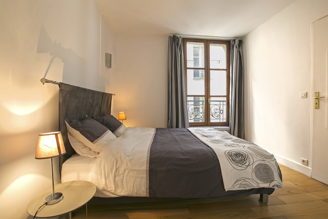 Apartment Paris Quai d'Anjou 7