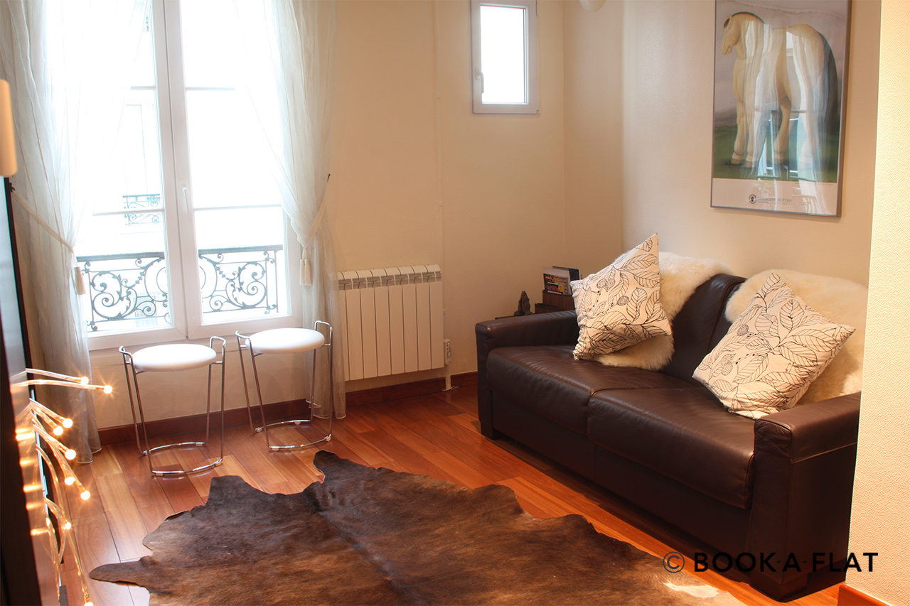Furnished apartment for rent Paris Rue Rampon