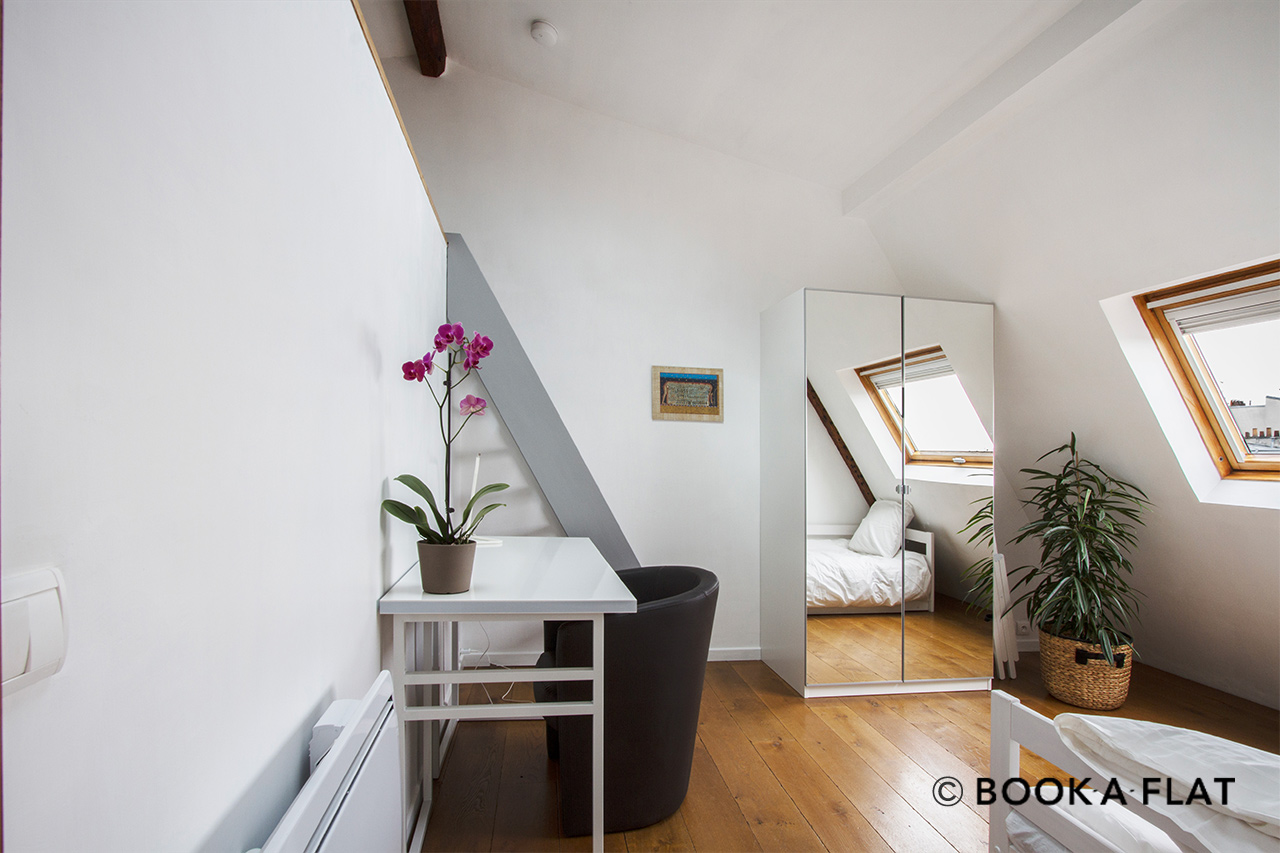 Apartment Paris Boulevard de Rochechouart 8